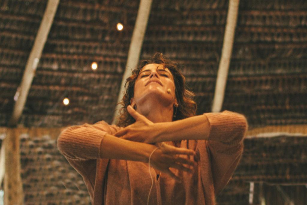 Luciana Brites, por Helena Cooper